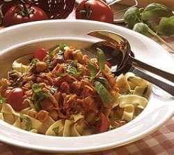 Vegetarisk saus med pasta oppskrift.
