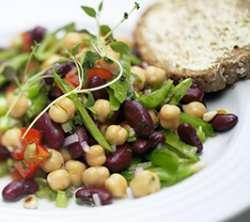 Prøv også Salat med bønner, paprika og sukkererter.