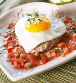 Prøv også Speilegg på karbonade med tomatsalsa.