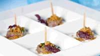 Prøv også Kjøttboller med hvitløk, koriander og yoghurtdip.