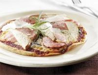 Bilde av Falukorvpizza med manchego, p�re og rosmarin.