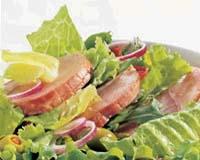 Salat med sommerskinke oppskrift.