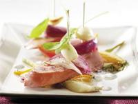 Prøv også Tapasbiter av kjøttpølse med ovnsstekte grønnsaker og urte- og yoghurtdip.