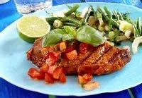 Prøv også Marinert entrecôte med bønne- og fennikelsalat og tomatdressing.