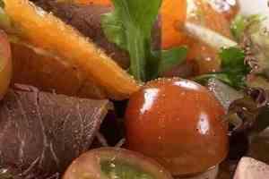 Prøv også Roastbiffsalat med appelsin.