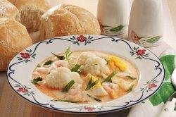 Blomkålsuppe med mye godt i oppskrift.