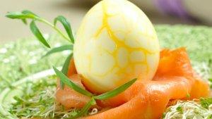 Prøv også Krakelerte egg i lakserede.