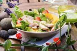 Prøv også Salat med lettsaltet kylling, brie og pekannøtter.