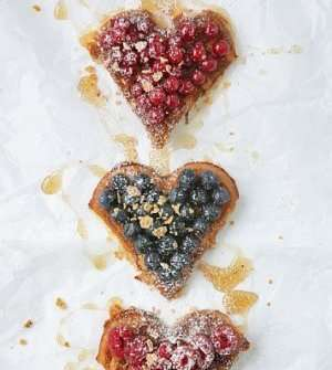 Les mer om Cornflakesvafler med sommerb�r og honningsaus 1 hos oss.