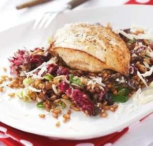 Les mer om Kyllingfilet med lun helkornsalat hos oss.