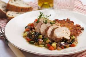 Kyllingfilet med varm oliven og kapers-salsa oppskrift.