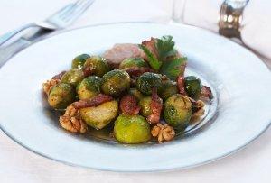 Prøv også Rosenkål med bacon og valnøtter.