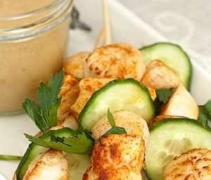Prøv også Kylling- og kamskjellspidd med peanøttsaus.