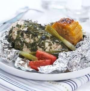 Prøv også Kyllingfilet med urter, grillet i folie.