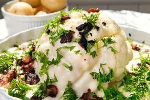 Prøv også Blomkål med ostesaus og bacon eller reker.