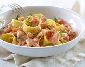 Prøv også Tagliatelle med røkelaks i kremet tomatsaus.