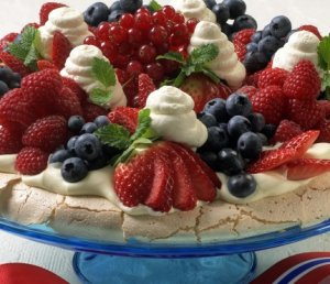 Les mer om Pavlova - den beste 17. mai-kaken. hos oss.