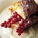 Prøv også Rips i butterdeig med hyllebærkrem.