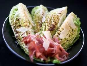 Prøv også Grillet spisskål med parmesan og serranoskinke.