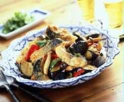 Prøv også Makrell i wok med rød currypasta.