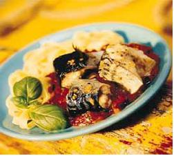 Fettucine med makrell og basilikum oppskrift.