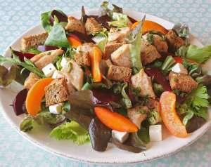 Prøv også Varm kyllingsalat med rødbete og fetaost.