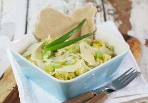 Prøv også Kinakål med hvitløk og parmesan.