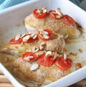 Bilde av Ovnsbakt kyllingfilet med sennep og tomat.