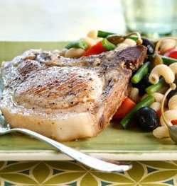 Koteletter med oliven- og kaperspasta oppskrift.