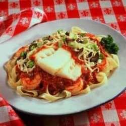 Prøv også Pasta med kokt torsk, reker og tomatsaus.