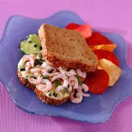 Prøv også Reker med agurk og limemajones.
