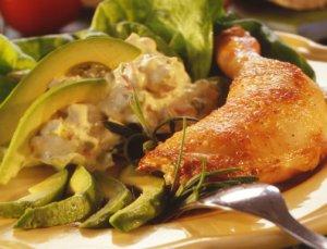 Prøv også Kyllinglår med avokadosalat.