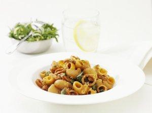 Prøv også Pipe Rigate Calamari, Pipe Rigate med blekksprut i hvitvinsaus.