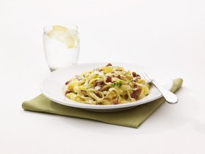 Prøv også Tagliatelle con cantarelli e pancetta, Kantarellpasta med bacon.