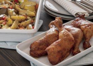 Prøv også Grillede kyllinglår med lun potetsalat.