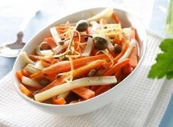 Varm rød og hvit salat oppskrift.