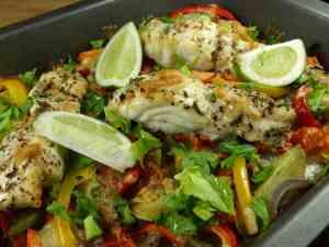 Ovnsbakt fisk med vintergrønnsaker oppskrift.