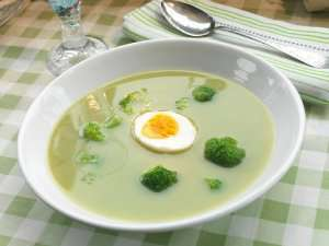 Try also Brokkolisuppe 3.