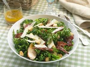 Cæsarsalat med savoykål oppskrift.