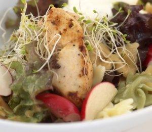 Prøv også Pastasalat med kylling og tzatziki.