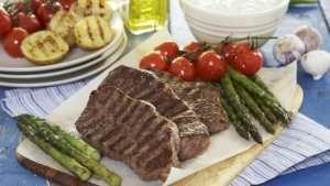 Prøv også Grillet biff med asparges og cherrytomater.
