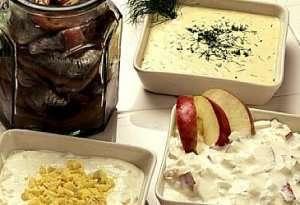 Prøv også Matjesild med rømmesalat.