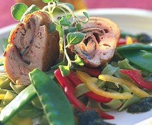 Prøv også Kyllingrullade med skinke- og ostefyll.