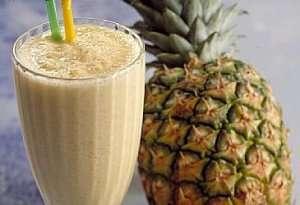 Ananas smooth colada-smoothie oppskrift.