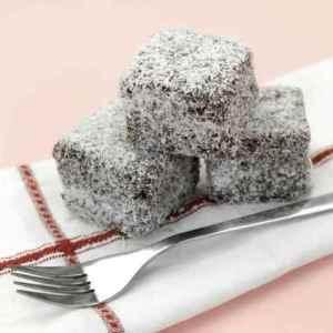 Prøv også Kokosbollekake med sukrin.