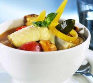 """Steinbit """"bouillabaisse"""" med skalldyr oppskrift."""