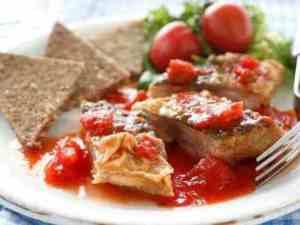 Prøv også Makrell i tomat hjemmelagd.