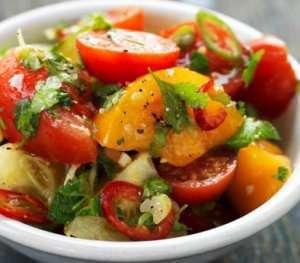 Prøv også Tomatsalat med lime, chili og koriander.