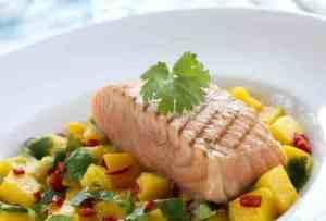 Prøv også Grillet laks med mangosalat.