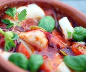 Prøv også Ovnsbakt skrei med tomat og hvitløk.